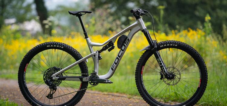 Focus Jam 6.0 LTD 2022 im Test: Verspieltes Trail Bike mit Spaßgarantie